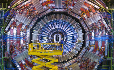 View of the CMS detector at the end of 2007 (Maximillien Brice, (c) CERN)